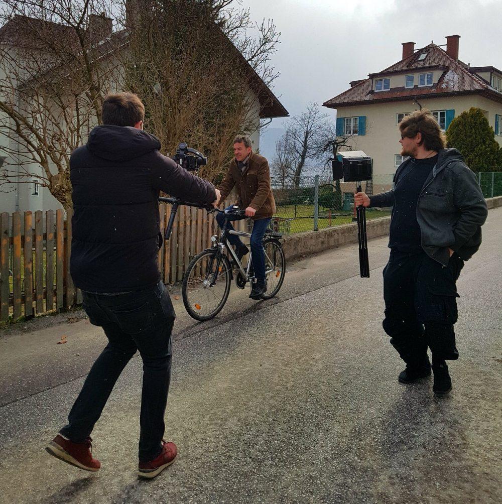 Roland Klocker with Gimbal filming Georg Willi (Bürgermeister Innsbruck)